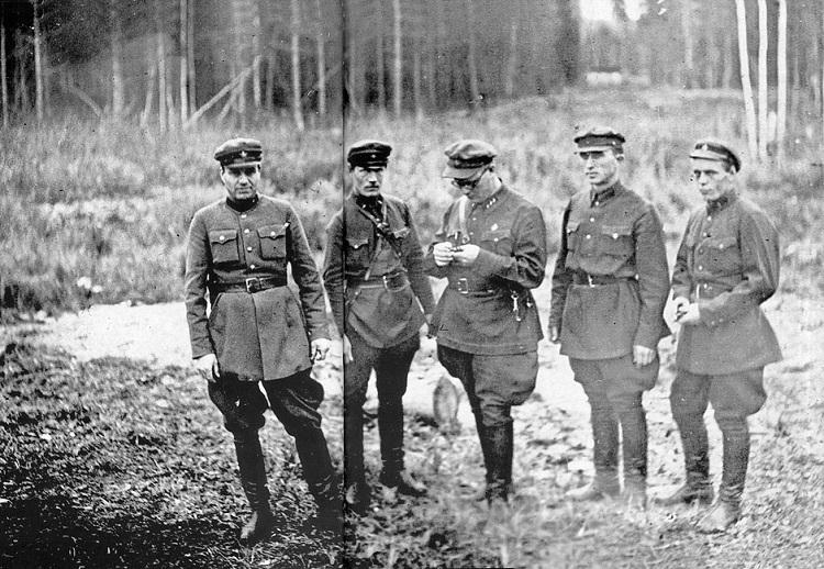 Работники НКВД