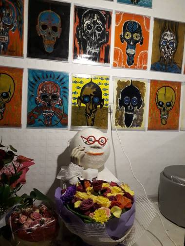 Moscow White Cube, skull exhibition